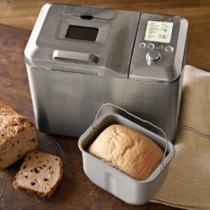 Хлебопечка с хлебом