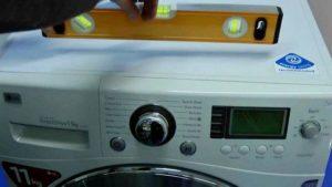 Измеряем стиральную машину по уровню