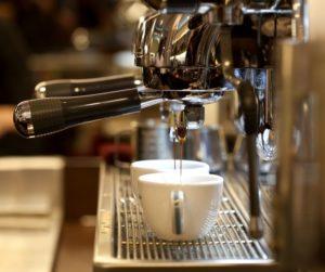 Кофемашина в кофейне