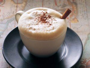 Кофе с взбитым молоком