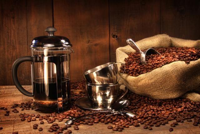Кофе и френч-пресс
