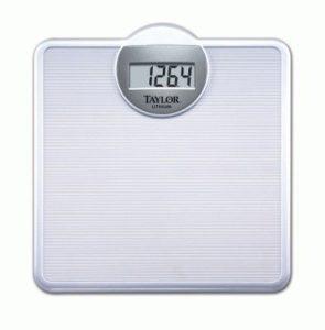 электронные весы показывают разный вес