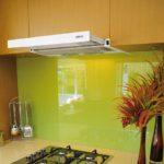 установка встраиваемой вытяжки на кухне