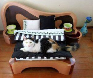Как сделать кровать для кота своими руками.