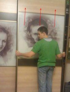 Как снять двери шкафа-купе