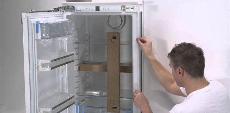 Как встроить холодильник в кухонный гарнитур.