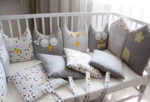 Подушки в кроватку для новорожденных своими руками.