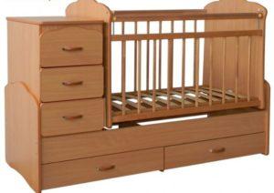 Детская кровать с маятником.