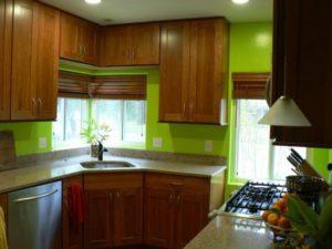 Цвет стен на кухне с коричневым гарнитуром