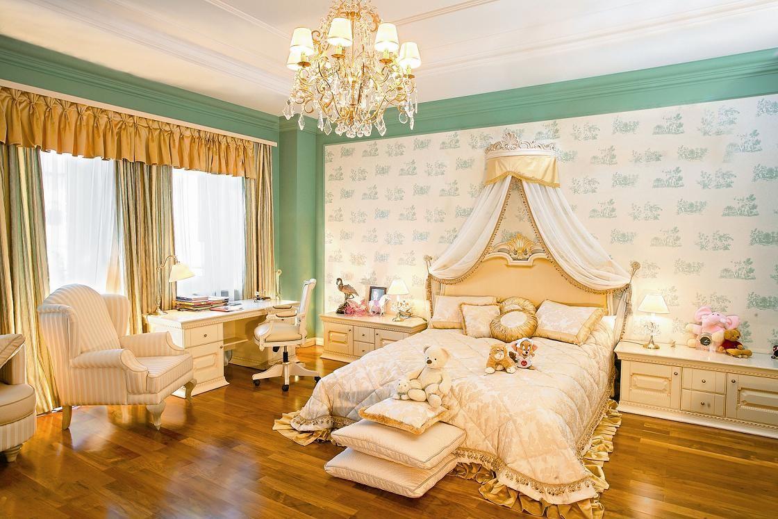 Декор спальни в стиле ампир.