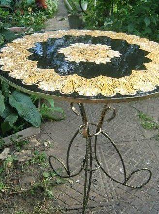 Декорирование металлического столика.