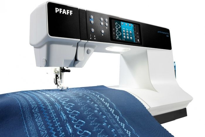 Электронная швейная машинка.