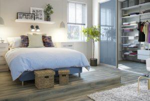 Как лучше расположить гардероб в небольшой спальне