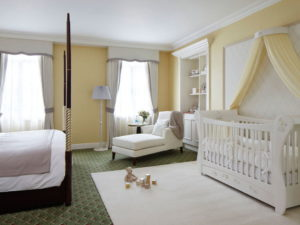 Как лучше совместить спальню и детскую в одной комнате