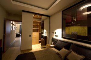 Как продумать дизайн гардеробной комнаты в спальне
