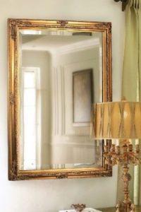 Как повесить зеркало на стену.