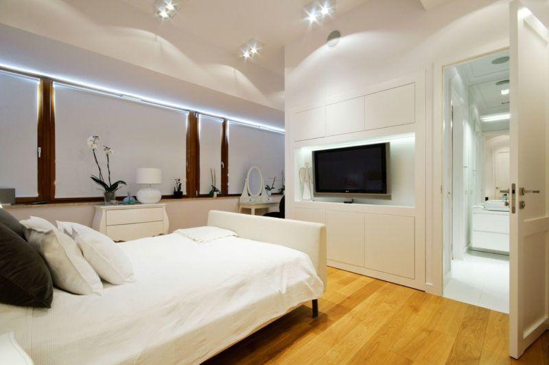 Как правильно ставить телевизор в спальне.