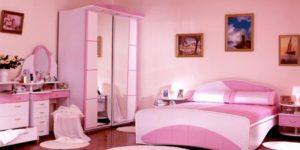 Мебель в розовой спальне.