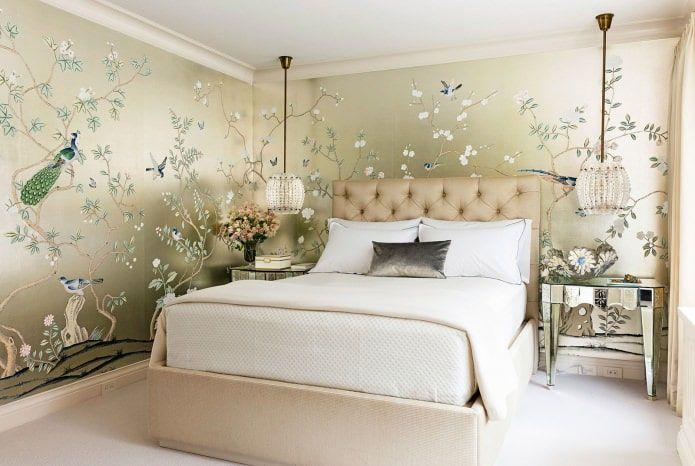 Оформление стен в спальне.