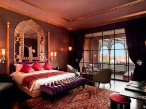 Тёмные цвета в отделке марокканской спальни.