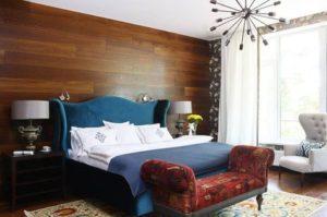 Синяя кровать в интерьере спальни фото.