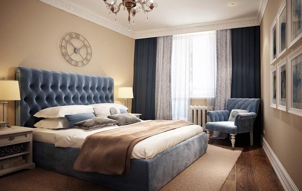 Вариант дизайна с синей кроватью.