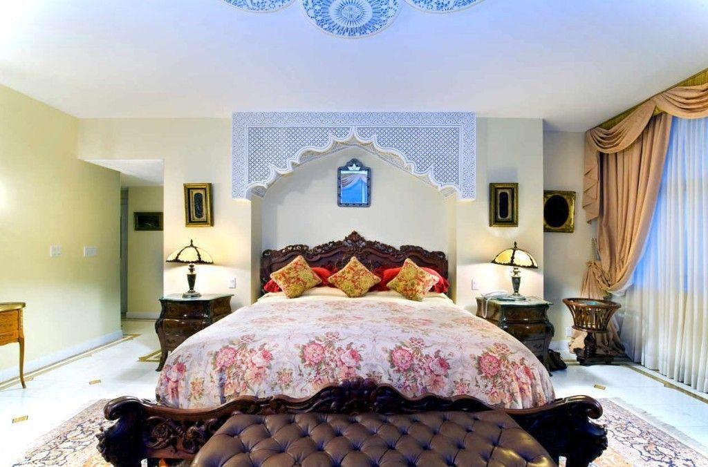 Вариант оформления спальни в марокканском стиле.