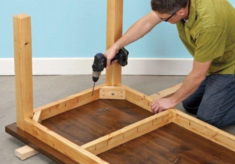 Изготовление стола из мебельного щита.