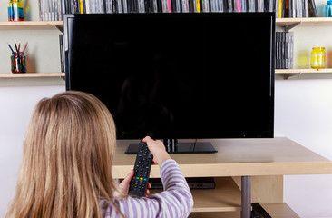 Телевизор не включается: виды неисправностей.