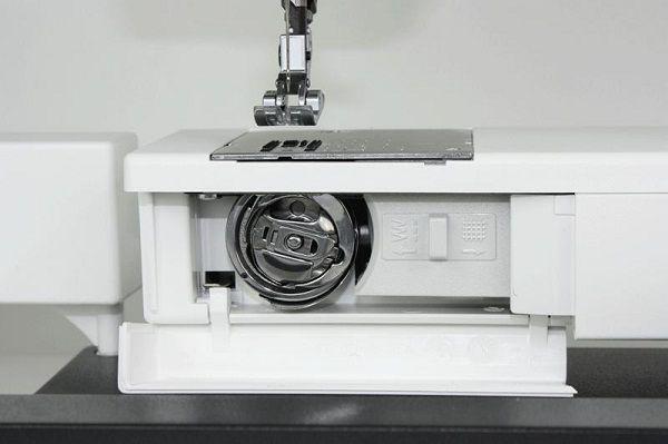 Тип челнока в швейной машине.