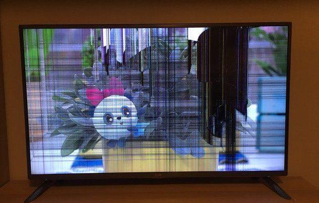 Последствия повреждения жк экрана.