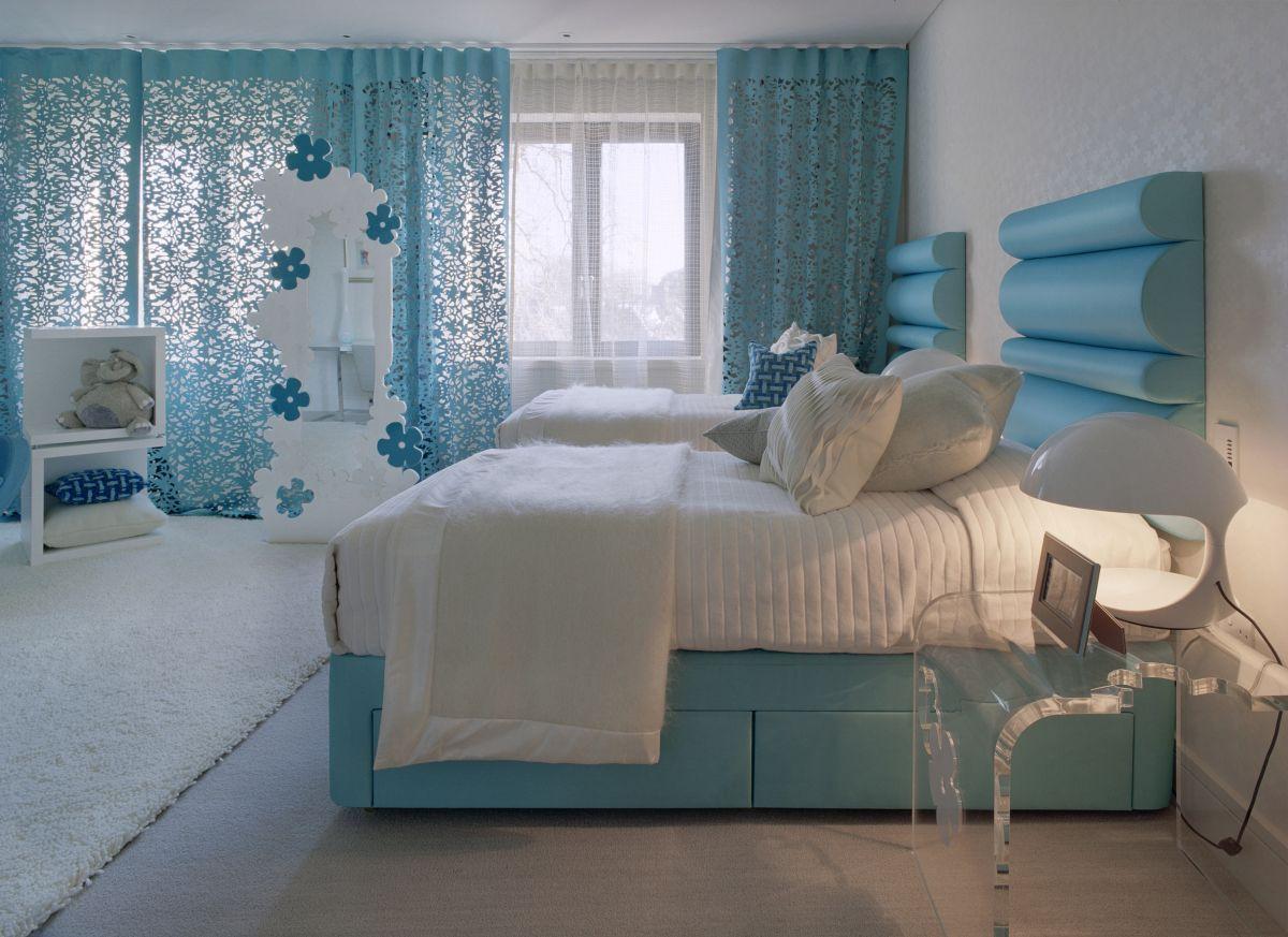 Выбор цвета штор в спальню.