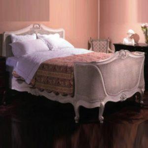 что значит французская кровать