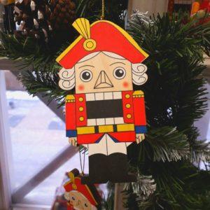 "декорирование игрушки ""Щелкунчик"" на елку"