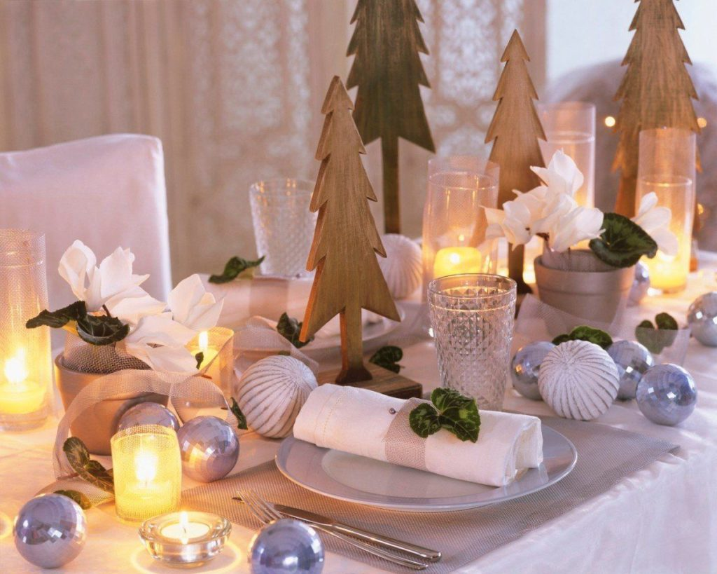 сервировка со свечами