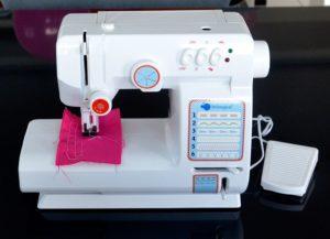 Швейная машинка с обозначением швов