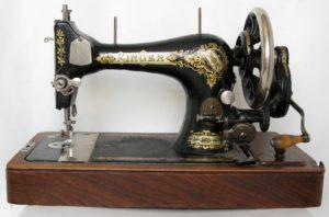 винтажная швейная машинка
