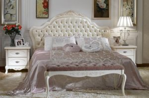кровать во французском стиле