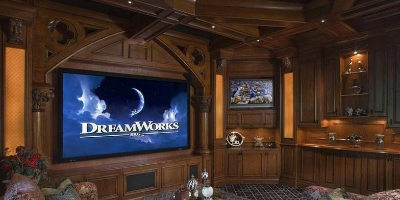 Телевизор комната