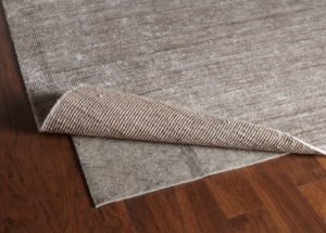 Укладка ковролина на деревянный пол.