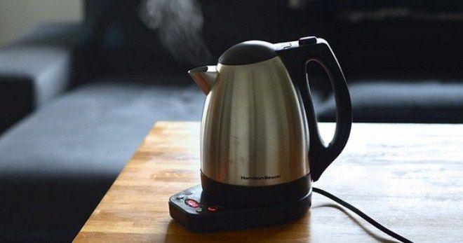 Кипящий чайник.