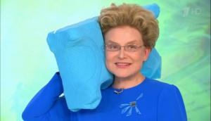 Почему телеведущая Елена Малышева не спит на подушке и вам того же желает