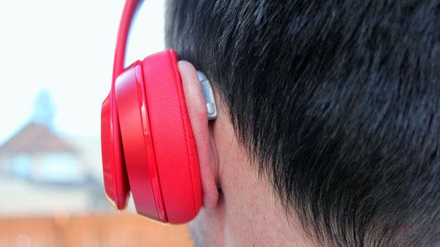 болят уши от больших наушников