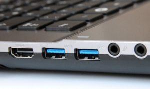 USB разъёмы на ноутбуке.