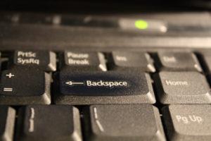 Кнопка Backspace.