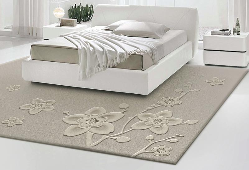 ковёр в интерьере спальни на полу