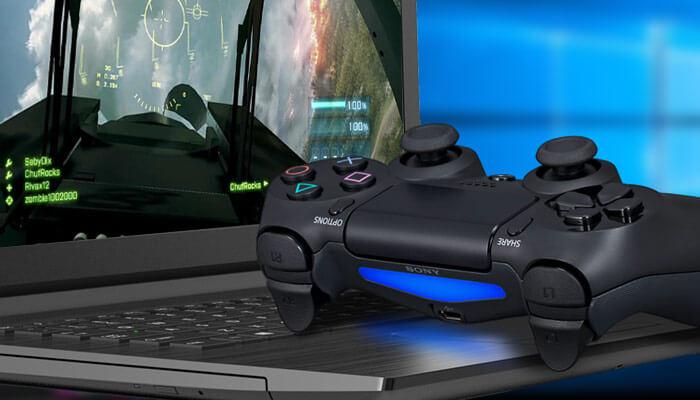 Беспроводной джойстик для игры на компьютере.