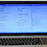 Открыт БИОС на ноутбуке.