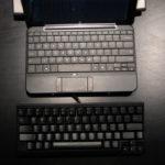 USB-клавиатура, подключенная к ноутбуку.
