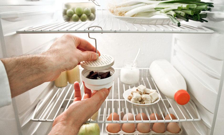 активированный уголь в холодильнике